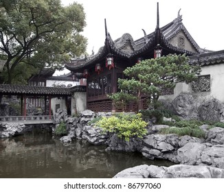 detail of the historic Yuyuan Garden in Shanghai (China).The garden was created in the year 1559 by Pan Yunduan