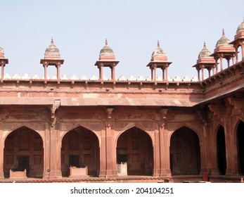 Detail, Islamic  decorations on red sandstone Fatepuhr Sikri, Agra,India