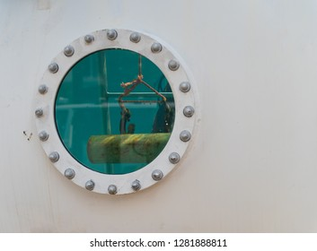detail of a mobile diving tank in the Rotterdam harbor