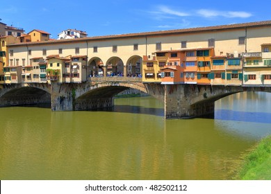 Detail of old buildings located on Ponte Vecchio, medieval bridge across Arno River in Florence, Tuscany, Italy