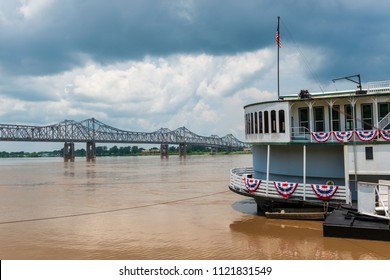 Detail of a steamer boat and the bridge over the Mississippi River near the city of Natchez, Mississippi, USA; Concept for travel in the USA and travel along the Mississippi River