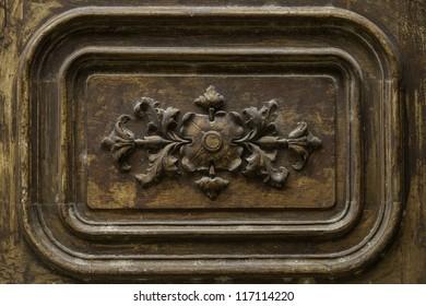 Detail wooden door ornament