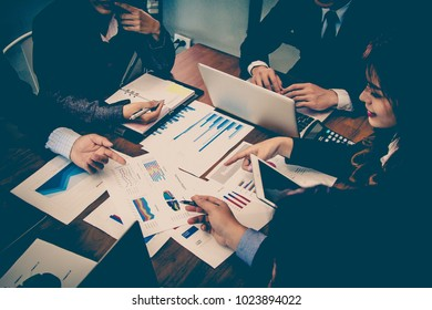 Detailed consultation Between business team. Business concept.
