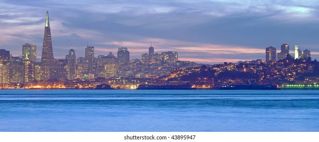 Detailed high resolution panorama of the northern edge of San Francisco's skyline at dusk
