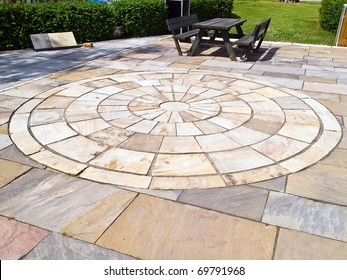 Details of circle design stone floor tiles for outdoors garden