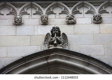 details in gothic cathedral of barcelona