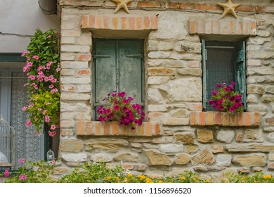 """Details of the """"Old Town Grado"""", a historic seaside town located on a lagoon island along Italy's north-east Adriatic coast, in the Friuli Venezia Giulia region, Italy"""