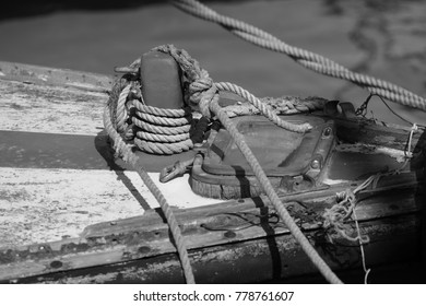 Details of the ship and sea, black and white