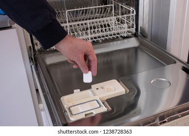 Detergents for dishes, tablets, and dishwasher