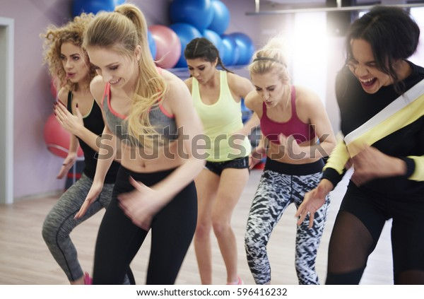 Determinated young women on the move