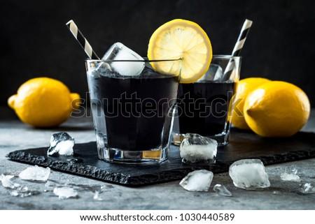 detox-activated-charcoal-black-lemonade-