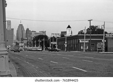 DETROIT –SEPTEMBER 11, 1975: traffic in Michigan avenue. One of the more historical street in town.