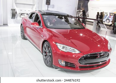 DETROIT - JANUARY 13 :The 2016 Telsa Model S at The North American International Auto Show January 13, 2015 in Detroit, Michigan.