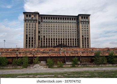Detroit, MI, USA Sept 18, 2015.  Michigan Central Station with renovation underway.