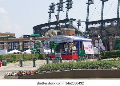 DETROIT, MICHIGAN/USA July 26, 2019: Democratic Presidential Debates, Tuesday July 30 and Wednesday July 31 in Detroit at the Fox Theatre, signage and banners promoting the event, July 26, 2019