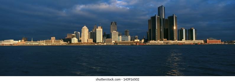 Detroit at sunrise, MI