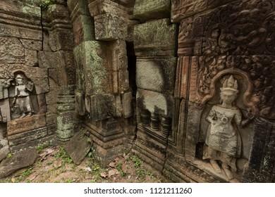 Devata carvings at Banteay Prei temple
