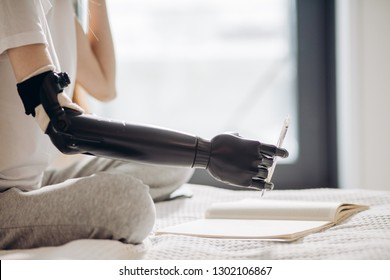 development in prosthetic arm systems, Prosthetic hand restores touching