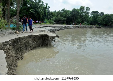 Dhaka, Bangladesh - August 12, 2016: Erosion by the Padma River has rendered many families homeless at dohar village in Dhaka, Bangladesh on  August 12, 2016.