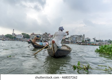 Dhaka, Bangladesh - August 12, 2016: people lifestyle in Sadar Ghat on August 12, 2016 in Dhaka,Bangladesh.
