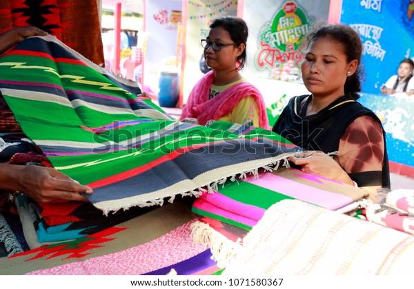 Dhaka Bangladeshapril 16 2018 Handicraft Stall Stock Photo