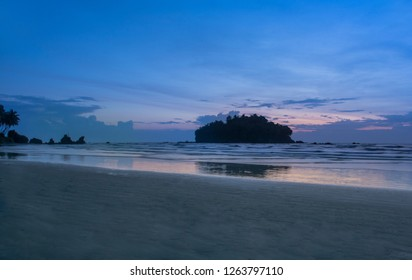 Dharmadam Islan Evening View beautiful Blue Cloudy Sky and Beach Keral Nature Beauty