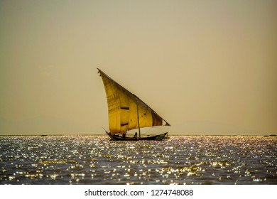 dhow boat on lake Victoria
