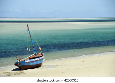 Dhow at the waters edge - landscape