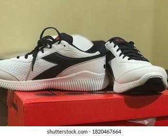 Diadora white shoes Indonesia, Asia tenggara