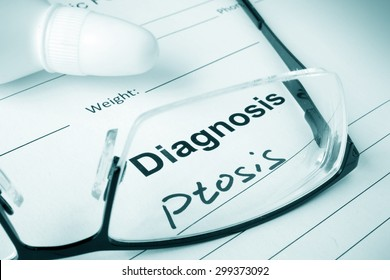 Diagnosis list with Ptosis and glasses.