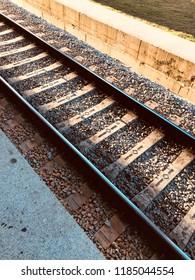 diagonal train rail