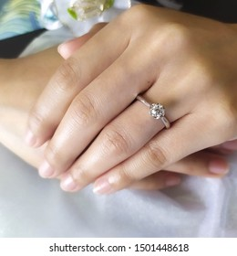 Diamond-WeddingRing&jewellery. 					Cute wedding rings for couples.