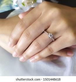 Diamond-WeddingRing&jewellery. Cute wedding rings for couples.