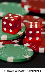 dices and chips for casinò games