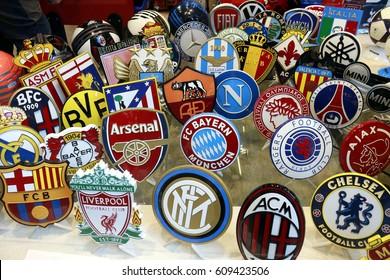 die Logos der grossen Fussballvereine: FC Barcelona, FC Liverpool, Chelsea London, FEBRUARY 2016 - VENICE: the logos of famous football clubs like Real Madrid, Arsenal London, FC Bayern Muenchen,