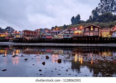 Die Palafitos in Castro Chile.