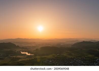 Die Welt von oben    zum Sonnenaufgang etwas ganz besonderes