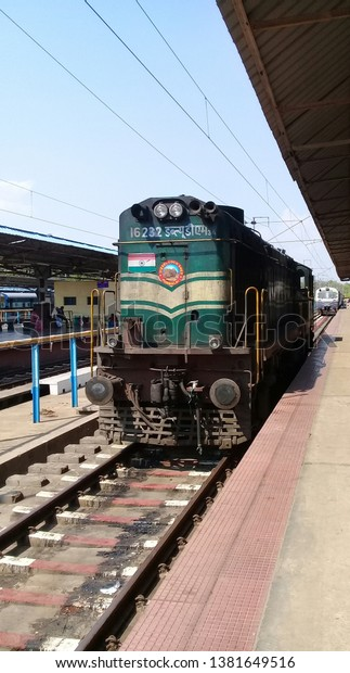 diesel-engine-train-trichirapalli-railwa