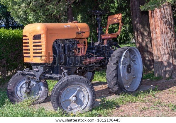 diesel-wheeled-tractor-dt20-manufactured