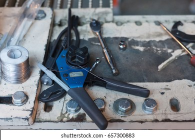 different hand tools and accessories for working with wire