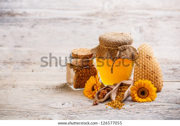 Different kinds of apiary products
