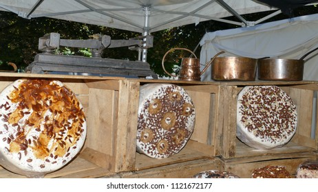 different sorts of big nougat pies