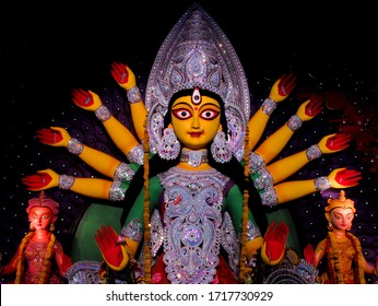 Different themes and colours of Durga idols which are mixed of tradition along with modern themed creates a heavenly beauty