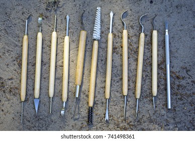 Different tools for qualitative cleaning of finds in archeology, paleontology and geology