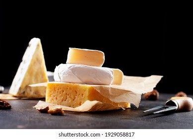 Different types of cheese. Cheeses mix set dor blu chedar camamber brie