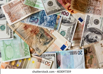 different World banknotes