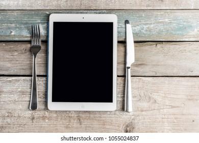 Digital addiction, internet addiction, watching internet during eating