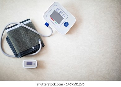 Digital blood pressure with pulse oximeter with copy space
