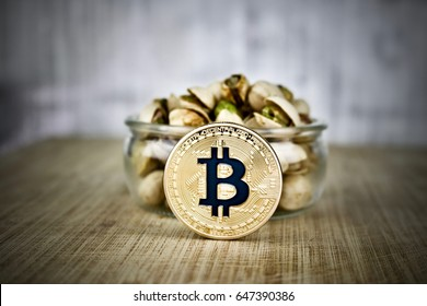 Digital currency physical gold bitcoin coin