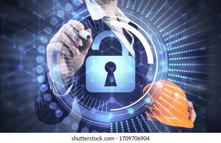 Digitales Konzept für Cybersicherheit und Netzschutz. Virtueller Verriegelungsmechanismus für den Zugriff auf freigegebene Ressourcen. Interaktiver virtueller Kontrollbildschirm mit Vorhängeschloss. Geschäftsfrau, die auf das Padlock-Hologramm zeigt